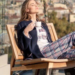 Drink your coffee & enjoy this sunny day ☀️ #harmonyhomewear #homewear #sunnyday